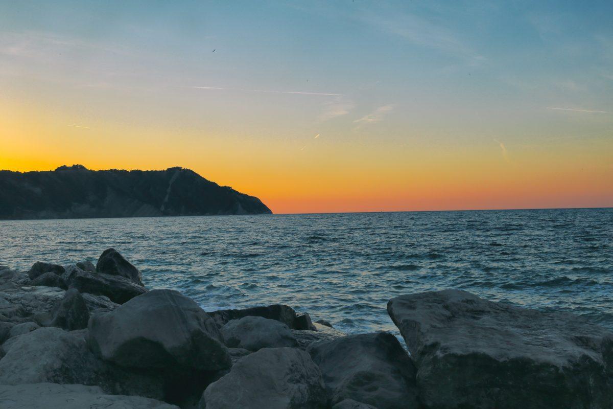 Monte Conero al tramonto